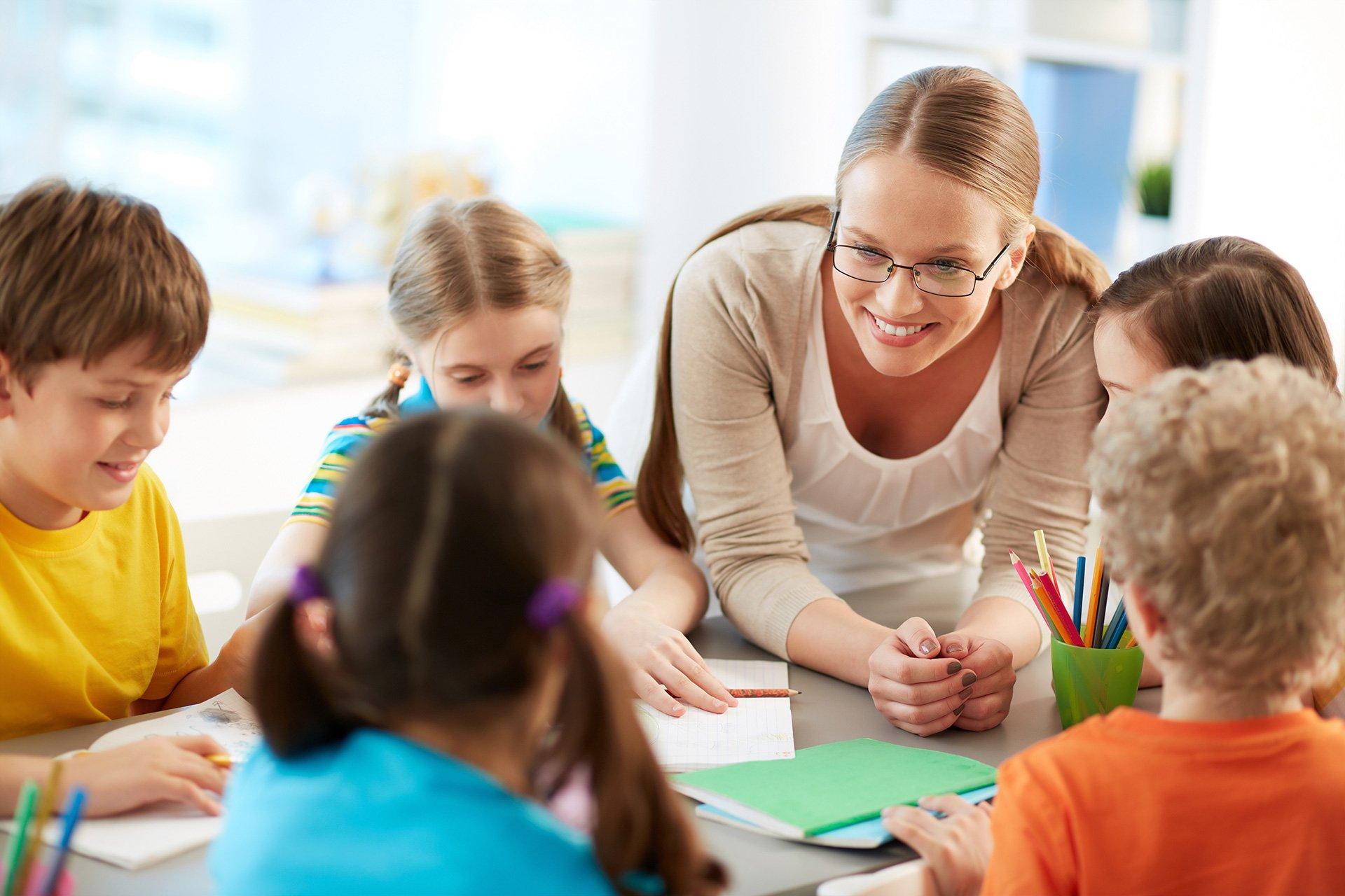 Что выбрать для изучения английского – курсы или школу